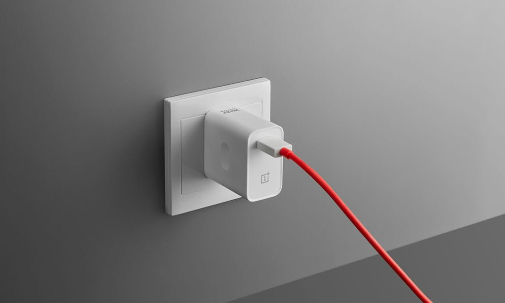 OnePlus Warp Charge 30W Power Adapter 4